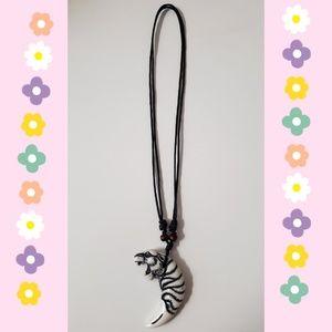 Adjustable white tiger necklace